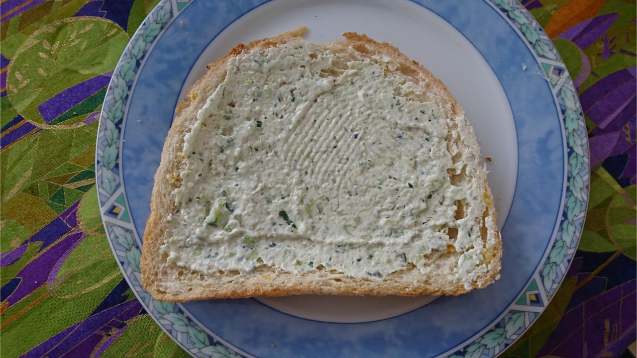 boterham met zelfgemaakte sandwichspread